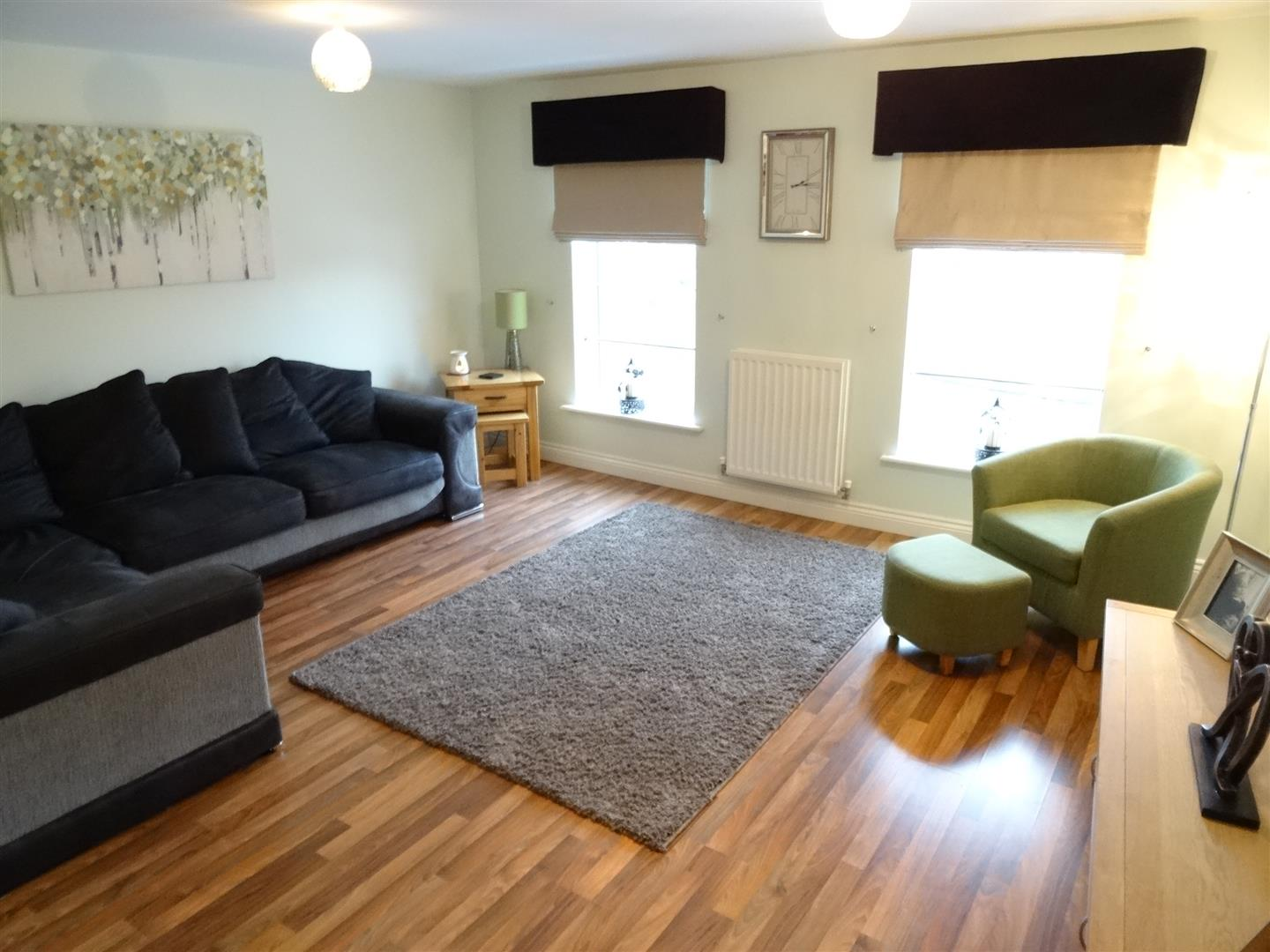 4 Bedrooms House - Townhouse For Sale 55 Lowry Gardens Carlisle