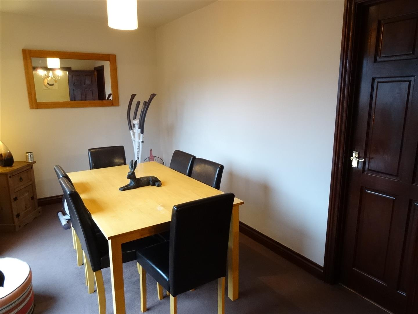 3 Bedrooms House - detached For Sale