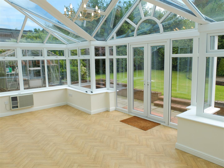 3 Bedrooms Bungalow - Detached For Sale 19 Carlton Gardens Carlisle