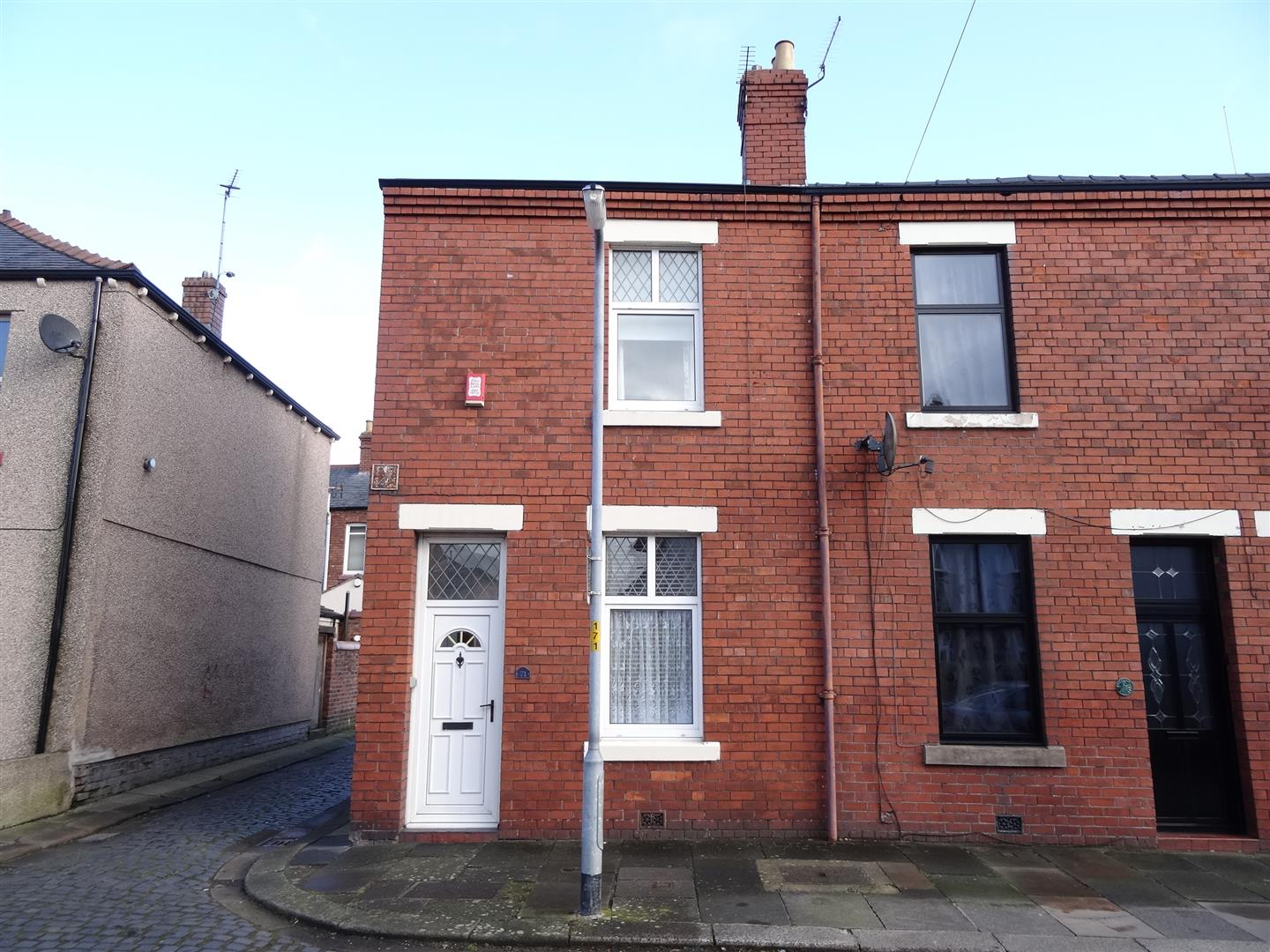 71 Crummock Street Carlisle 2 Bedrooms House - End Terrace For Sale