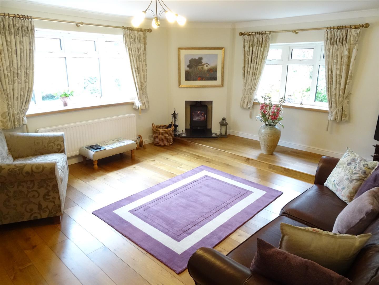 3 Bedrooms Bungalow - Detached For Sale