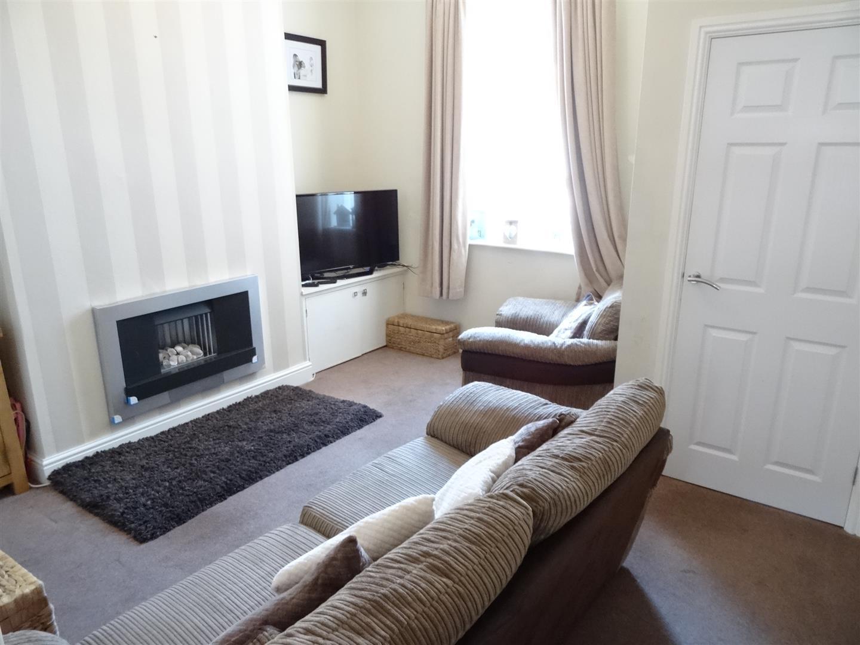 2 Bedrooms House - Mid Terrace For Sale 15 Delagoa Street Carlisle