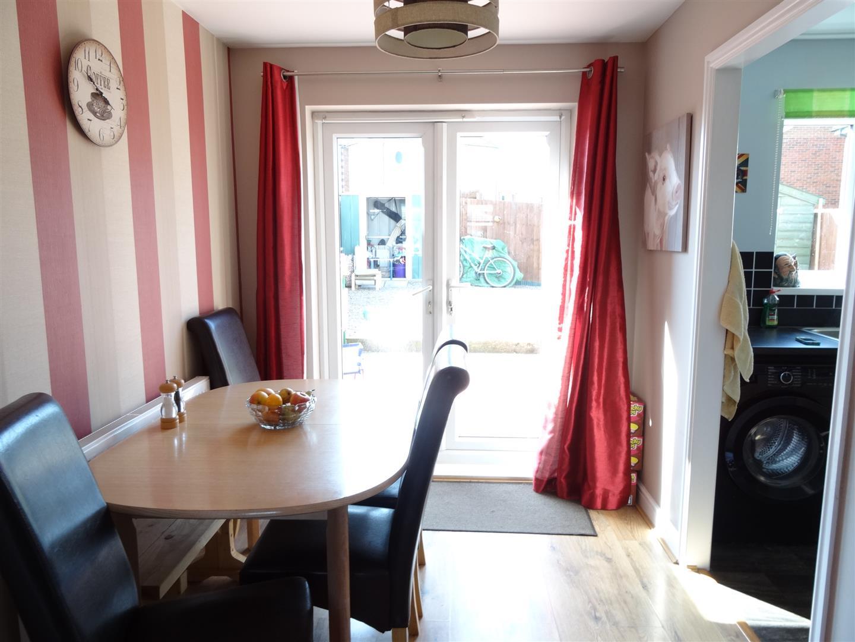 3 Bedrooms House - Detached For Sale 12 Sutton Close Carlisle