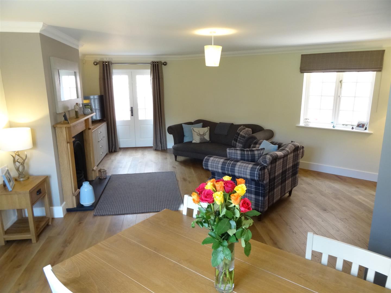 3 Bedrooms House - Detached For Sale 11 Holme Eden Gardens Carlisle