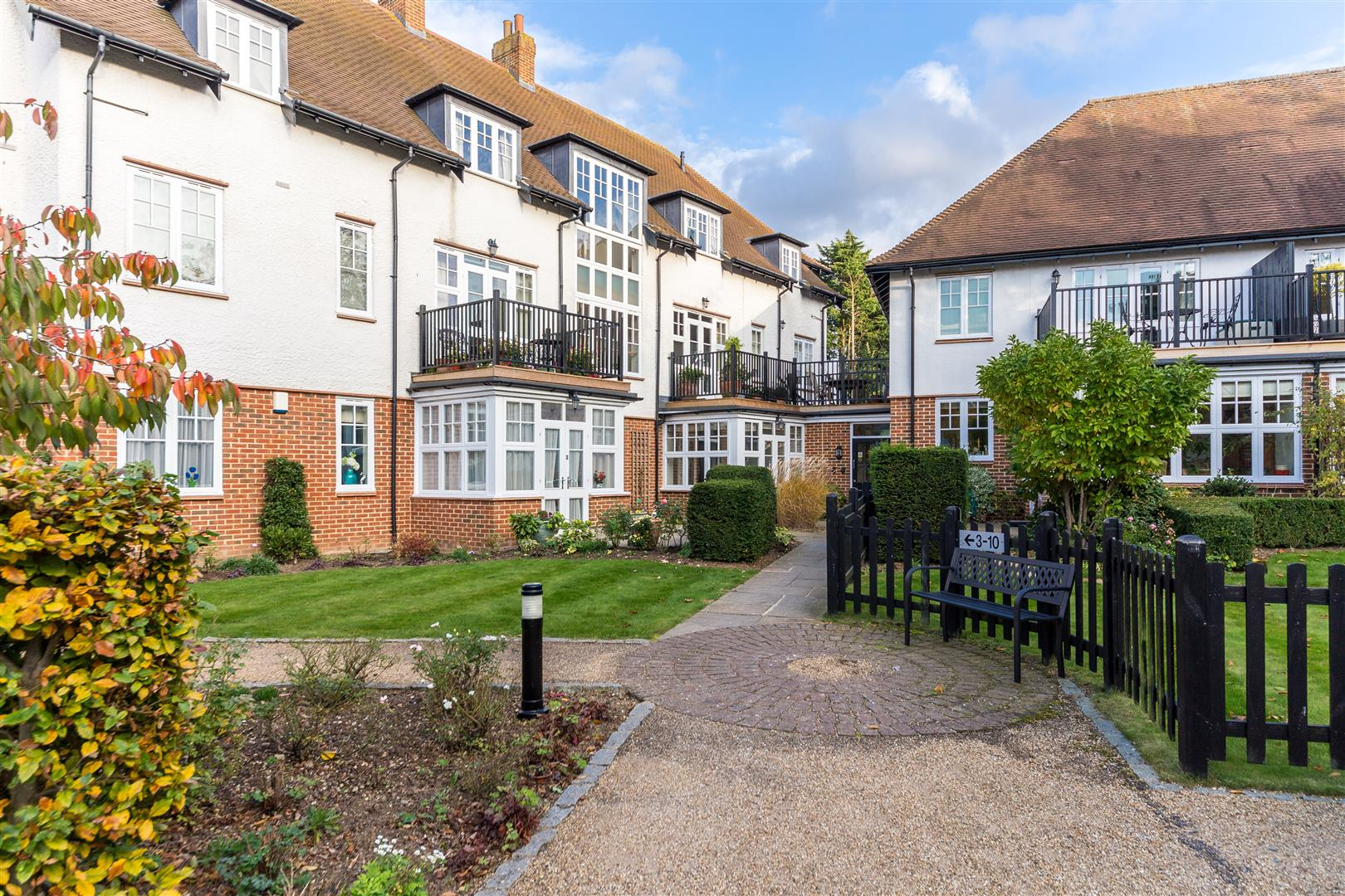 Property for sale in letchworth garden city hertfordshire mouseprice for Letchworth swimming pool prices