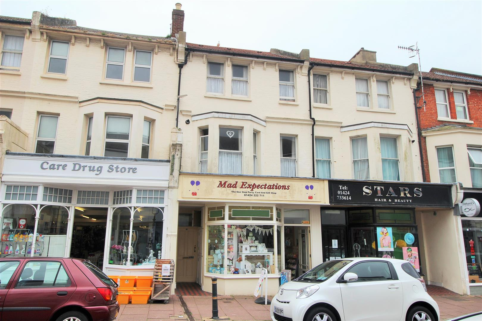 Apartment above shop western road bexhill on sea for Shop with apartment above