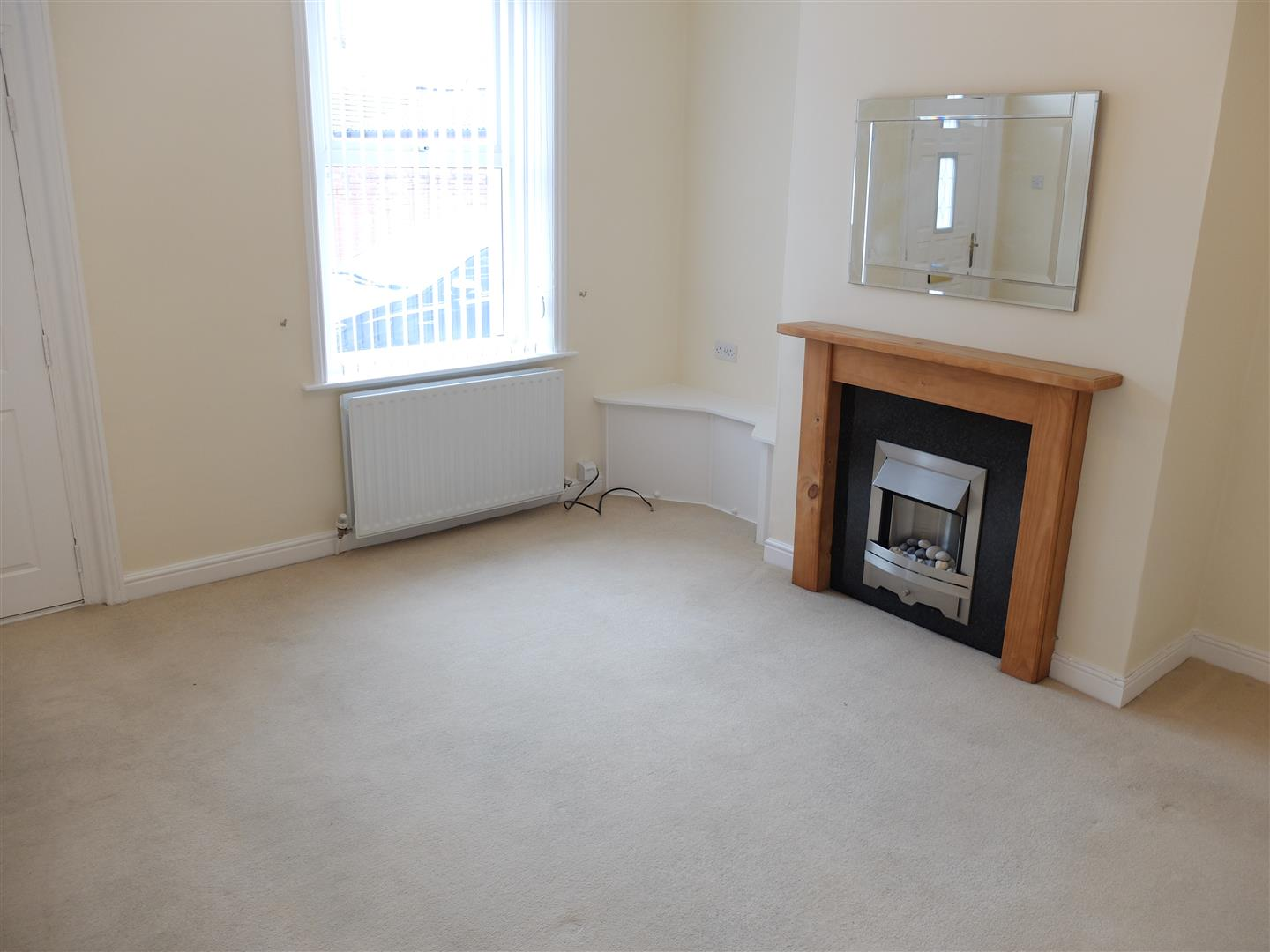 2 Bedrooms House - Mid Terrace For Sale 8 Melrose Terrace Carlisle