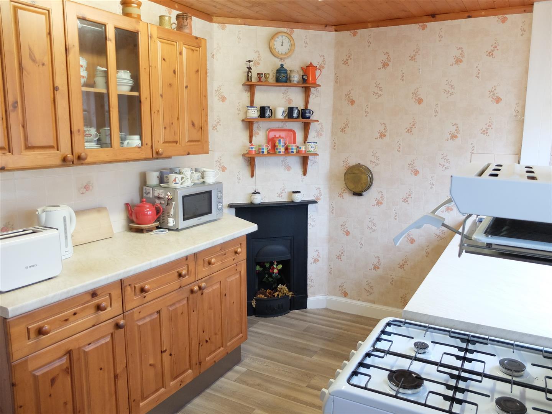 3 Bedrooms House - Semi-Detached On Sale 30 Embleton Road Carlisle