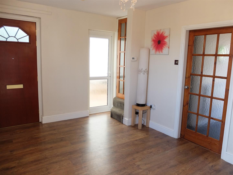 2 Bedrooms House - Semi-Detached On Sale 24 Marina Crescent Carlisle