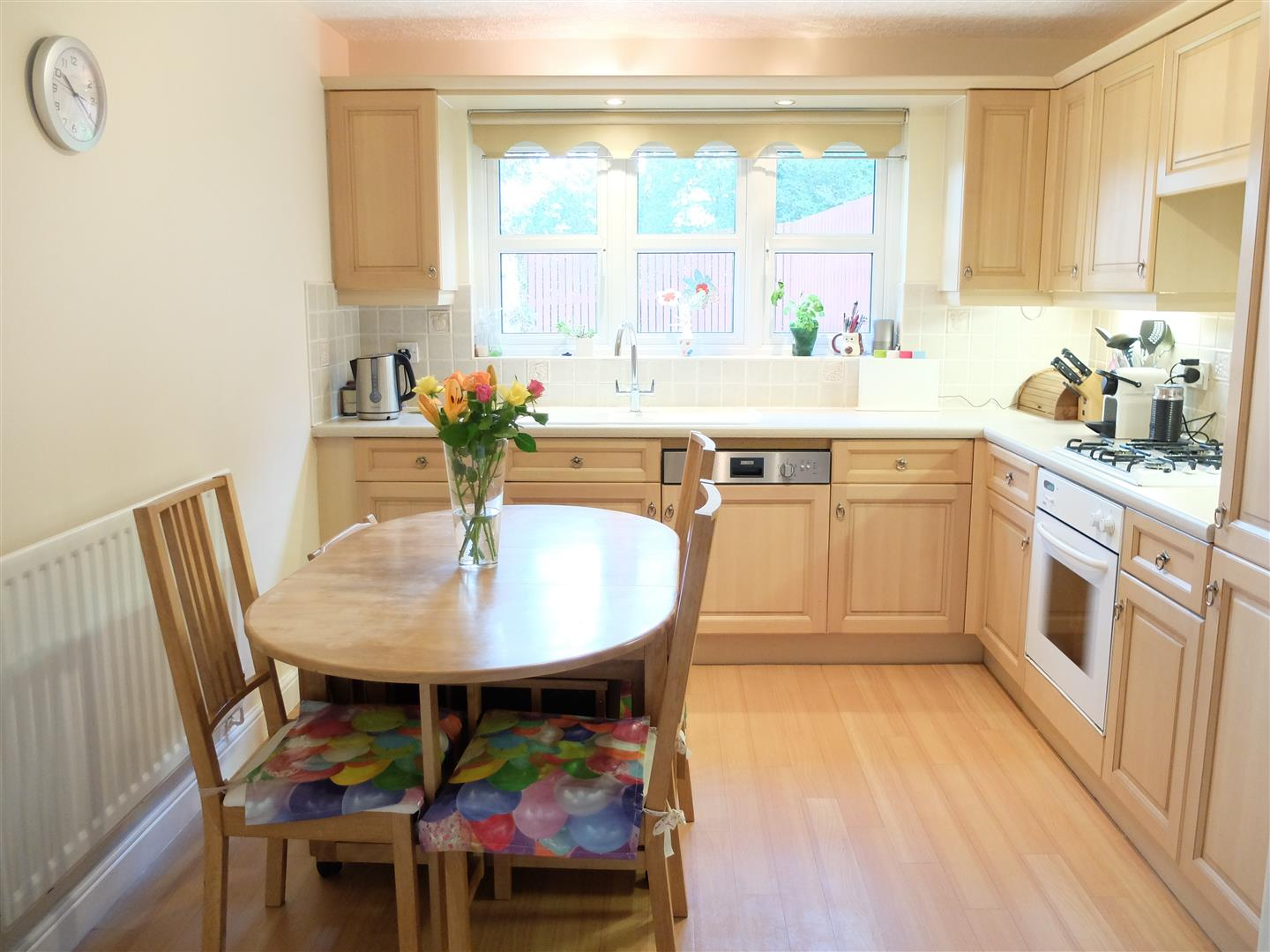 4 Bedrooms House - Detached For Sale 4 Chertsey Grove Carlisle 199,999