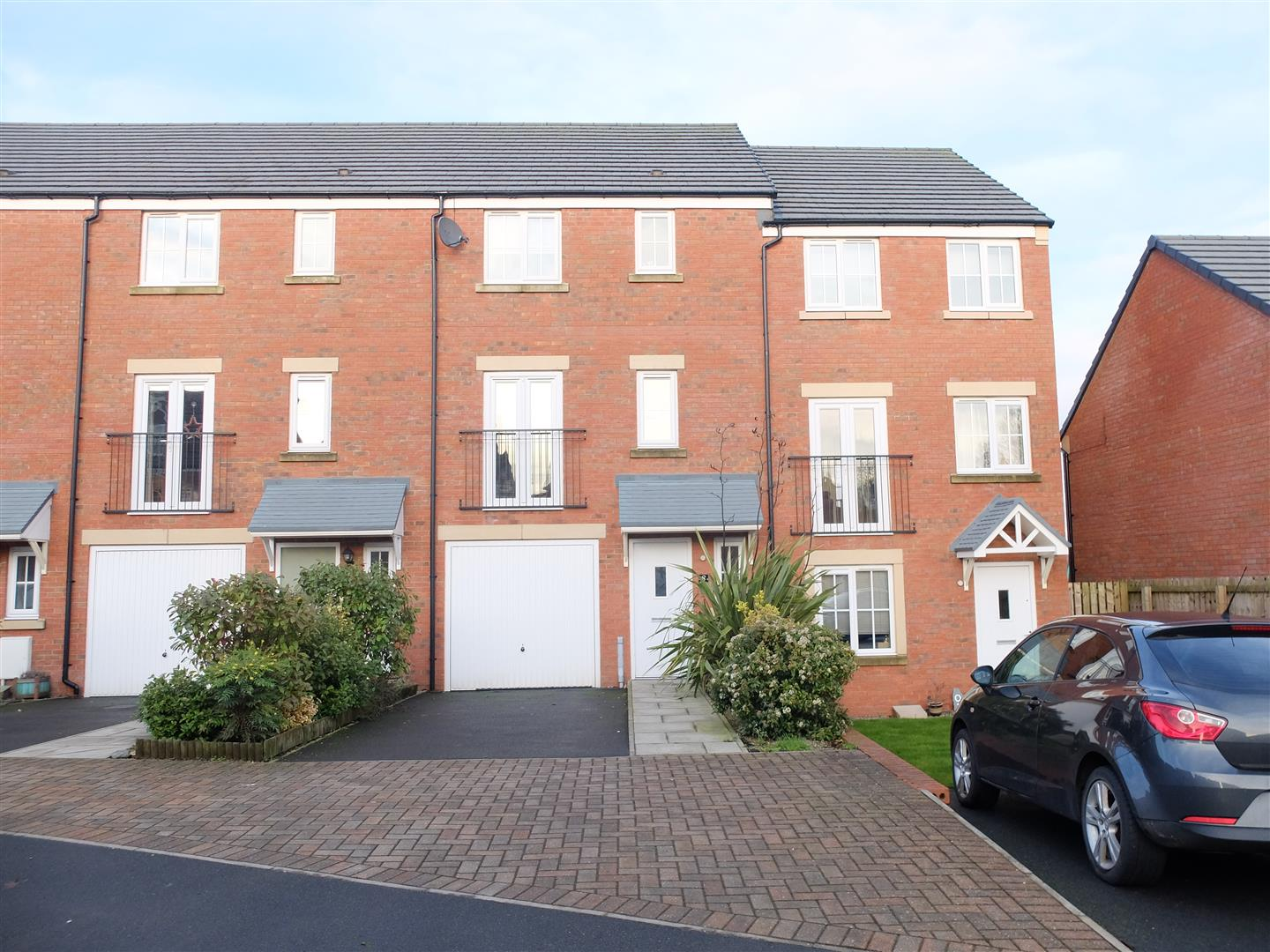 8 Barley Edge Carlisle 4 Bedrooms House - Mid Terrace For Sale