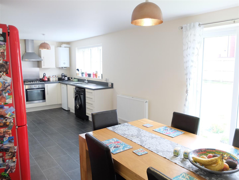 4 Bedrooms House - Detached For Sale 121 Glaramara Drive Carlisle 210,000