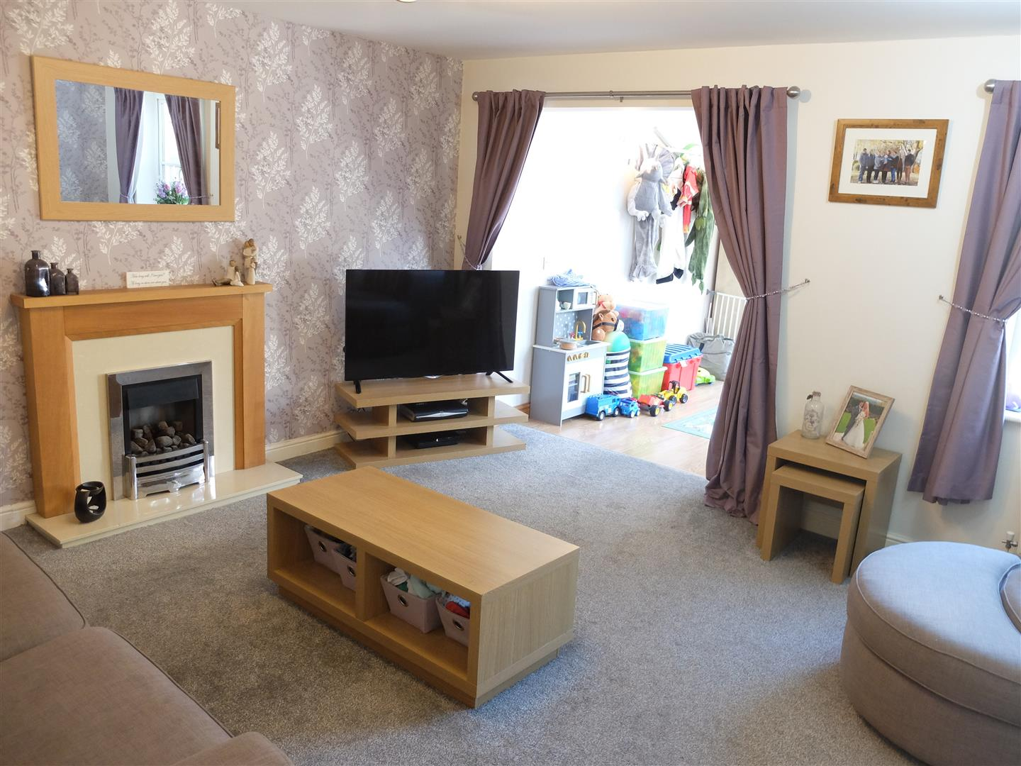 3 Bedrooms House - Semi-Detached For Sale 9 Heathfield Close Carlisle