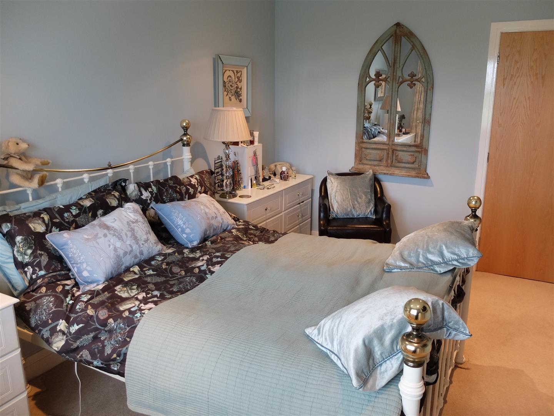 3 Bedrooms House - Terraced For Sale 4 Ridge View Brampton 142,500