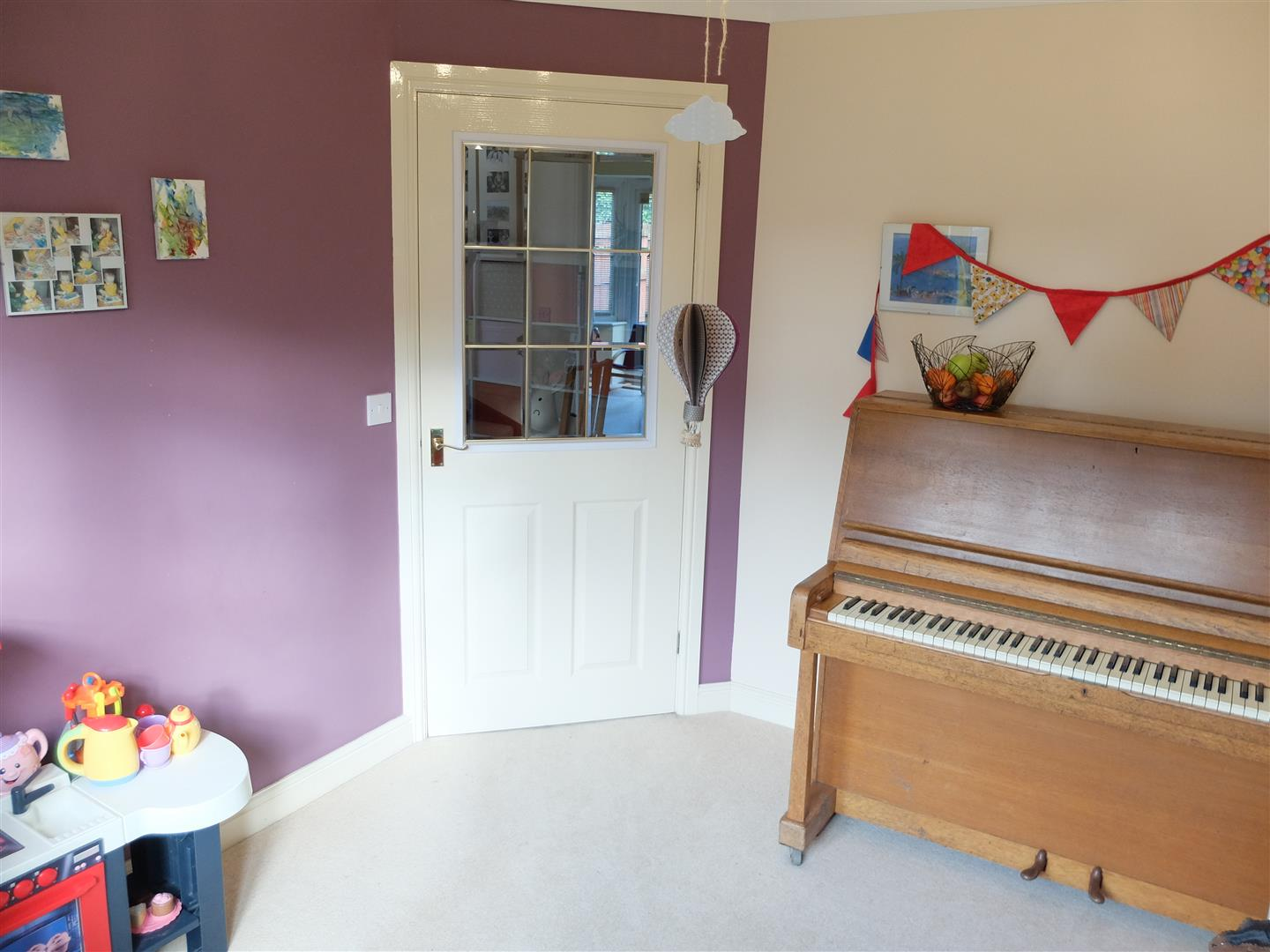 4 Bedrooms House - Detached On Sale 4 Chertsey Grove Carlisle