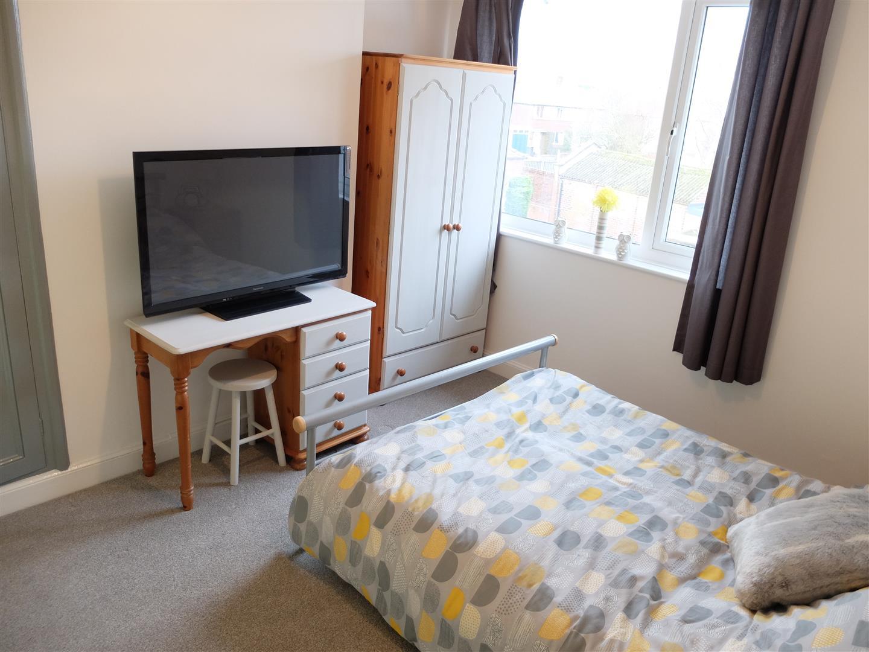 3 Bedrooms House - Semi-Detached On Sale 30 Embleton Road Carlisle 125,000
