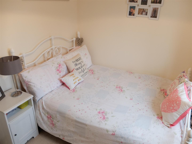 26 Arnison Close Carlisle 3 Bedrooms House - Semi-Detached On Sale 150,000