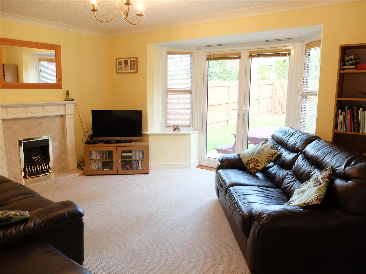 4 Bedrooms House - Detached For Sale 4 Chertsey Grove Carlisle
