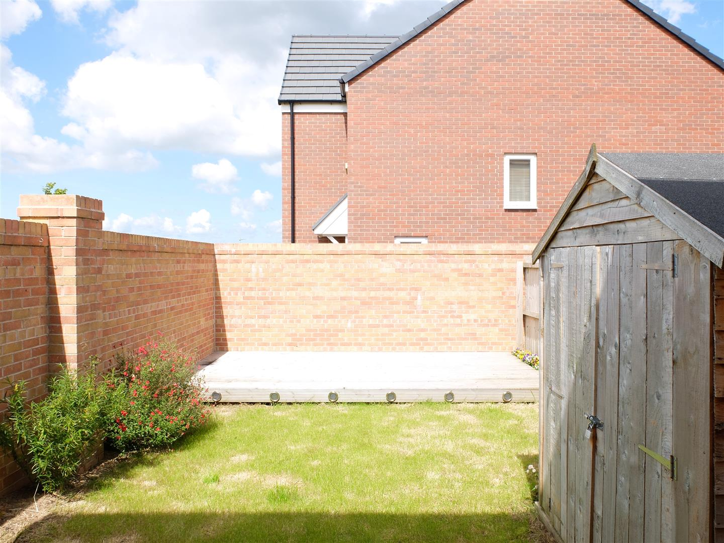 3 Bedrooms House - Semi-Detached For Sale 26 Arnison Close Carlisle