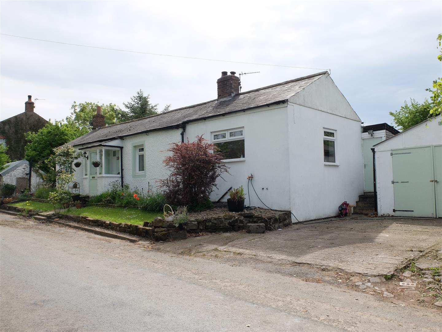 2 Bedrooms Cottage - Detached For Sale