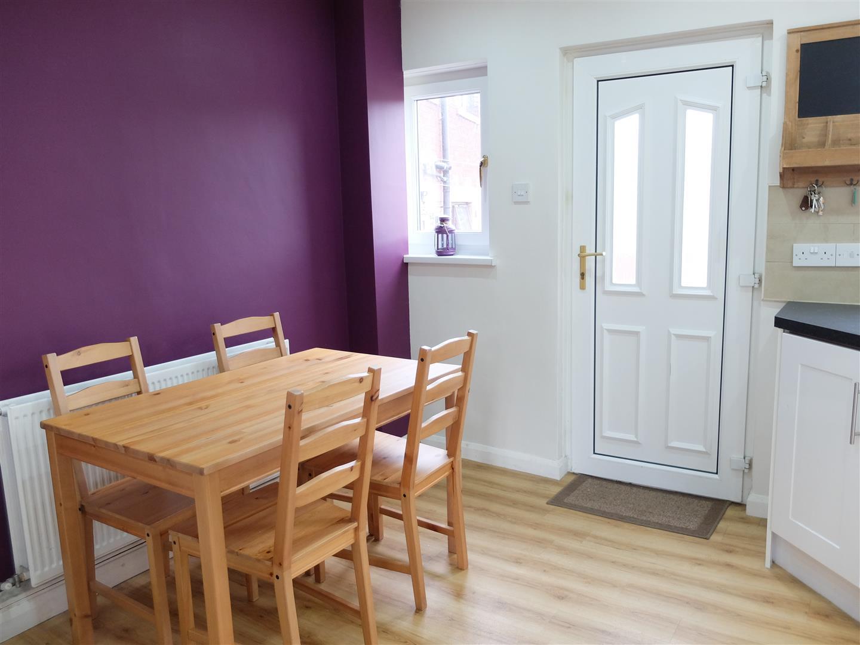 6 Lediard Avenue Carlisle 4 Bedrooms House - Semi-Detached On Sale