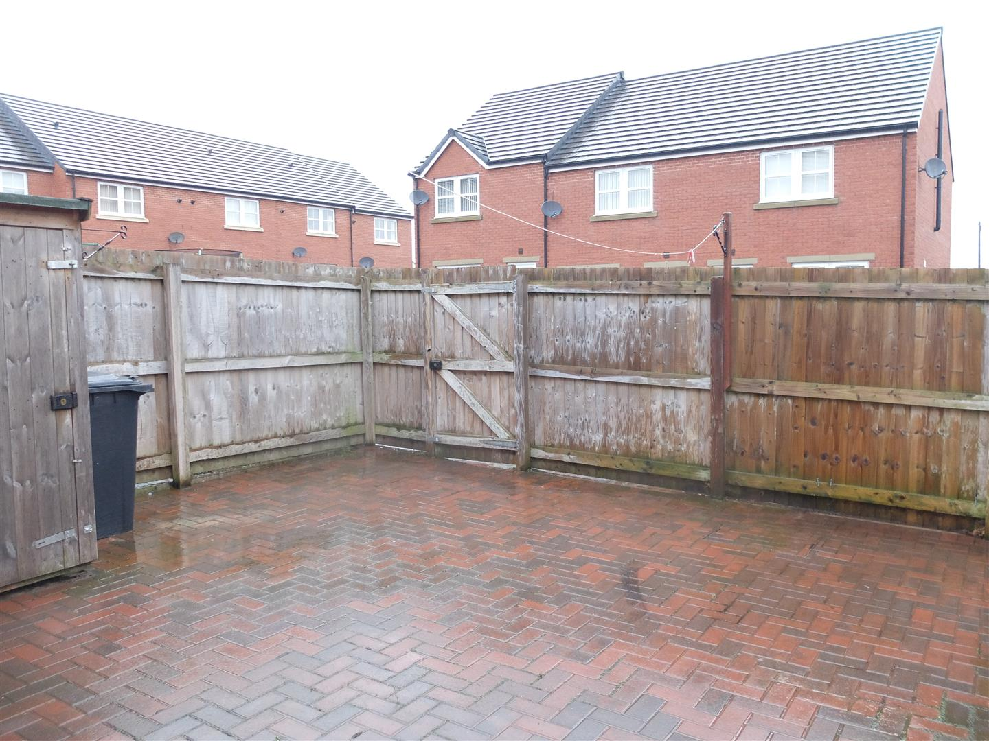 2 Bedrooms House - Semi-Detached On Sale 132 Levens Drive Carlisle 89,950