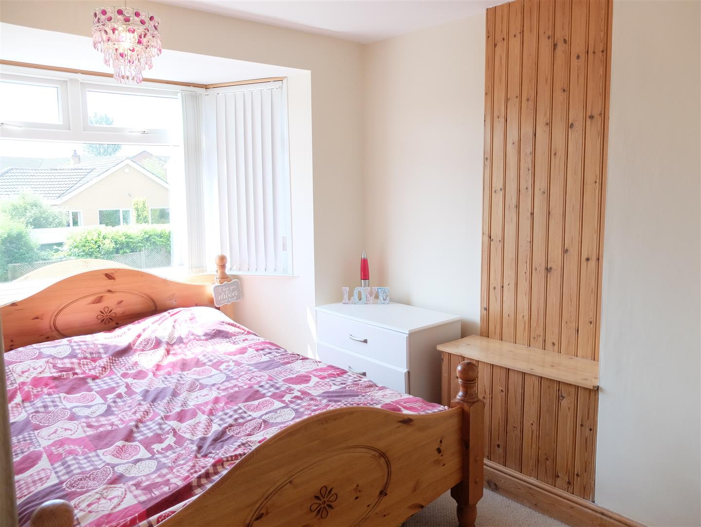 3 Bedrooms House - Semi-Detached On Sale 109 Orton Road Carlisle 130,000