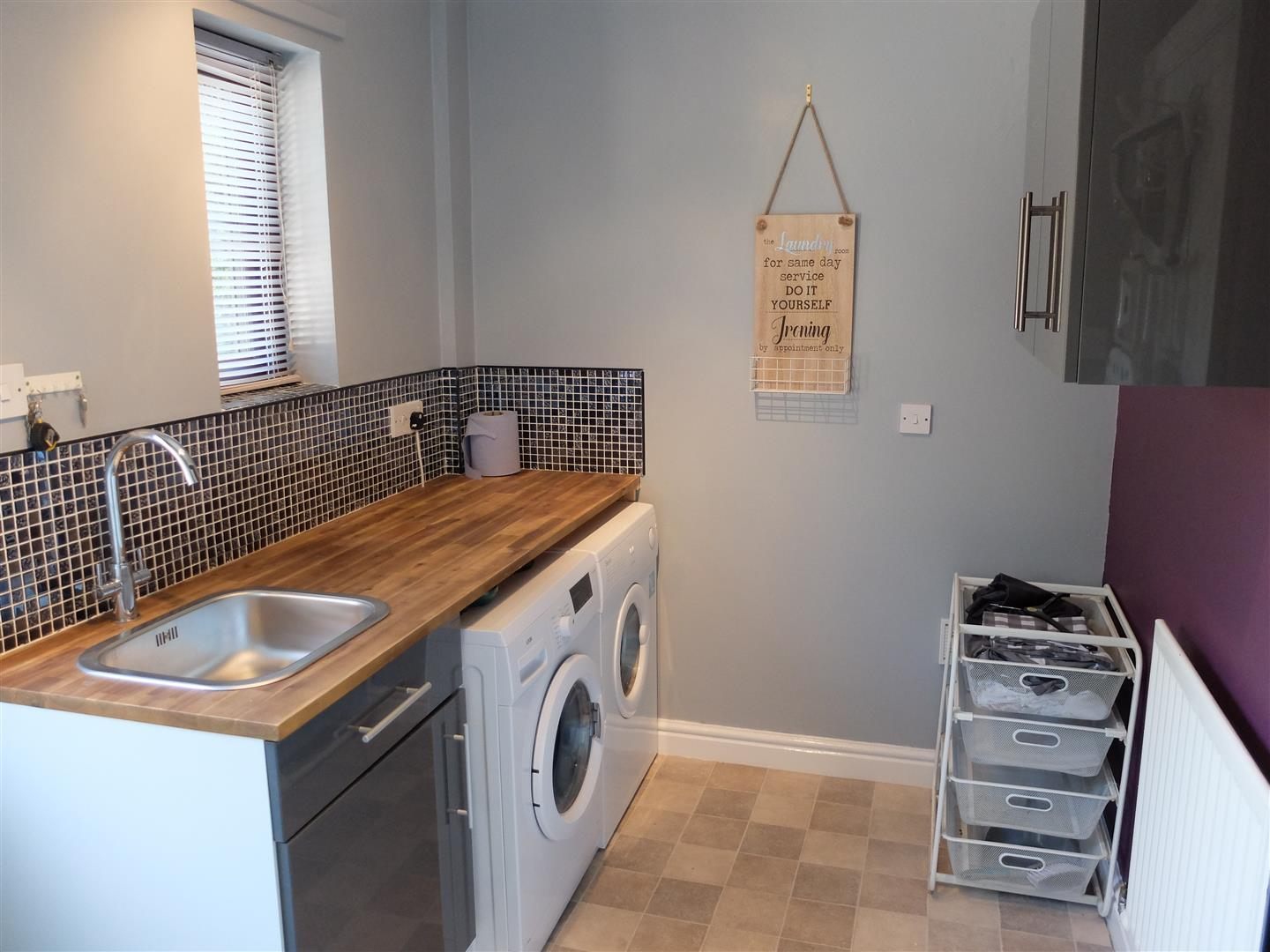3 Bedrooms House - Semi-Detached On Sale 21 Oakleigh Way Carlisle