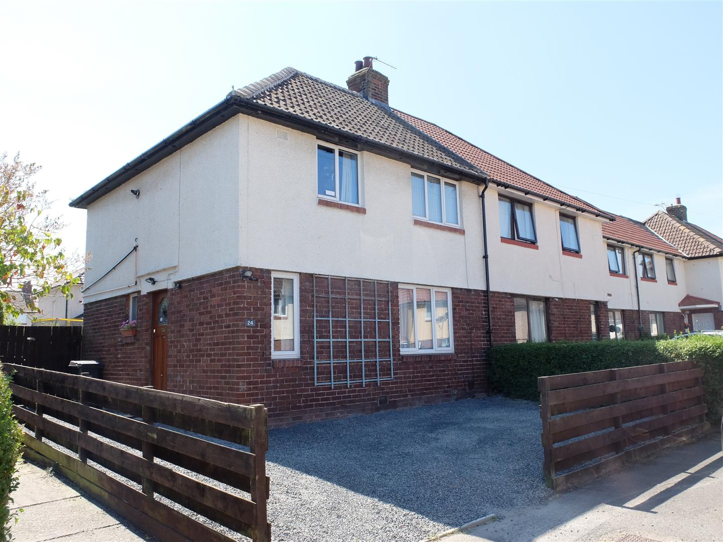24 Deer Park Road Carlisle 3 Bedrooms House - End Terrace For Sale