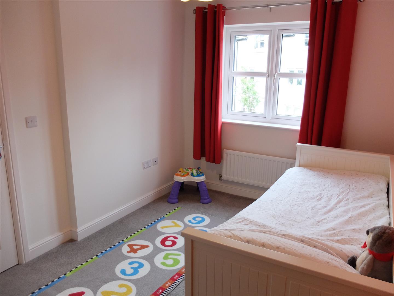 4 Bedrooms House - Semi-Detached On Sale 55 Bishops Way Carlisle 223,000