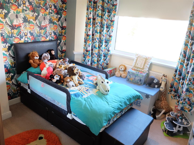 3 Bedrooms House - Semi-Detached On Sale 87 Currock Park Avenue Carlisle 130,000
