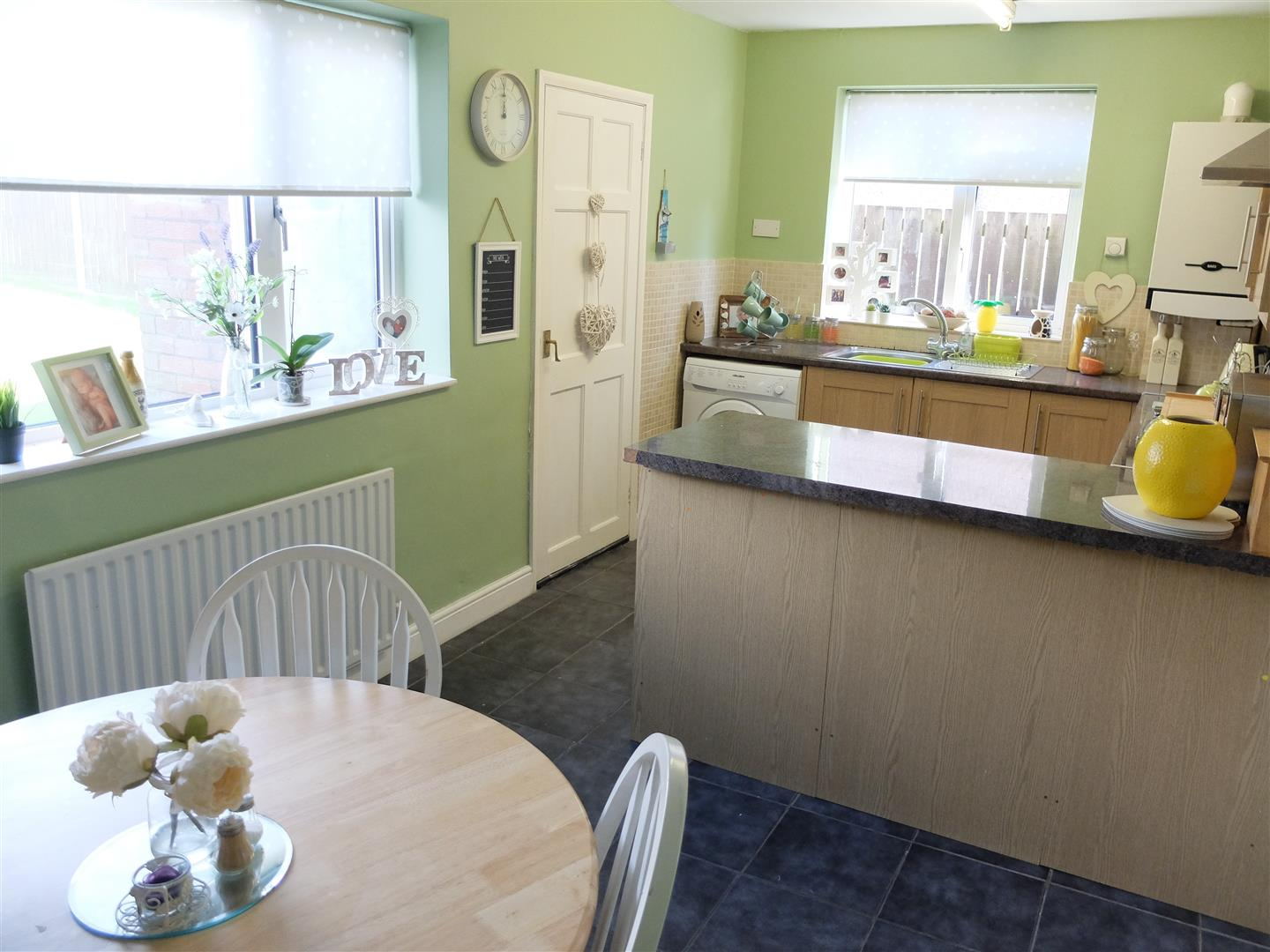 3 Bedrooms House - Semi-Detached On Sale 10 Jubilee Road Carlisle