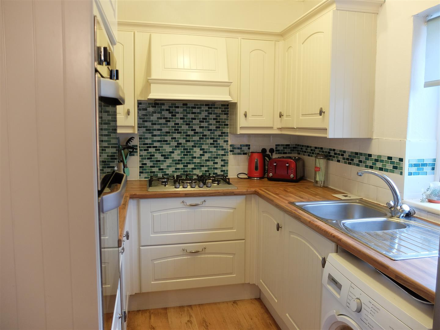 3 Bedrooms House - Semi-Detached On Sale 12 Newlands Road Carlisle
