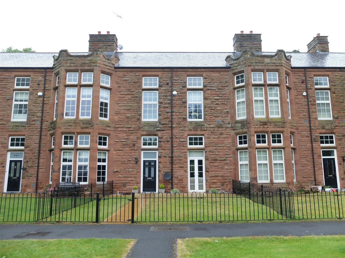 4 Oval Court Carlisle For Sale