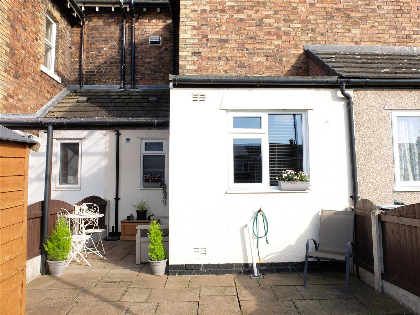 2 Bedrooms House - Terraced On Sale 7, Caledonian Buildings Etterby Road Carlisle 125,000