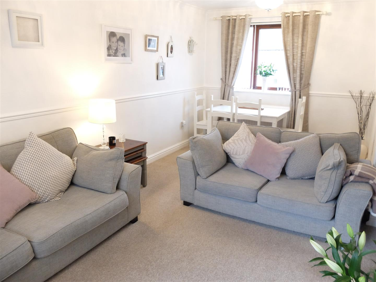 2 Bedrooms House - End Terrace On Sale 172 Springfield Road Carlisle
