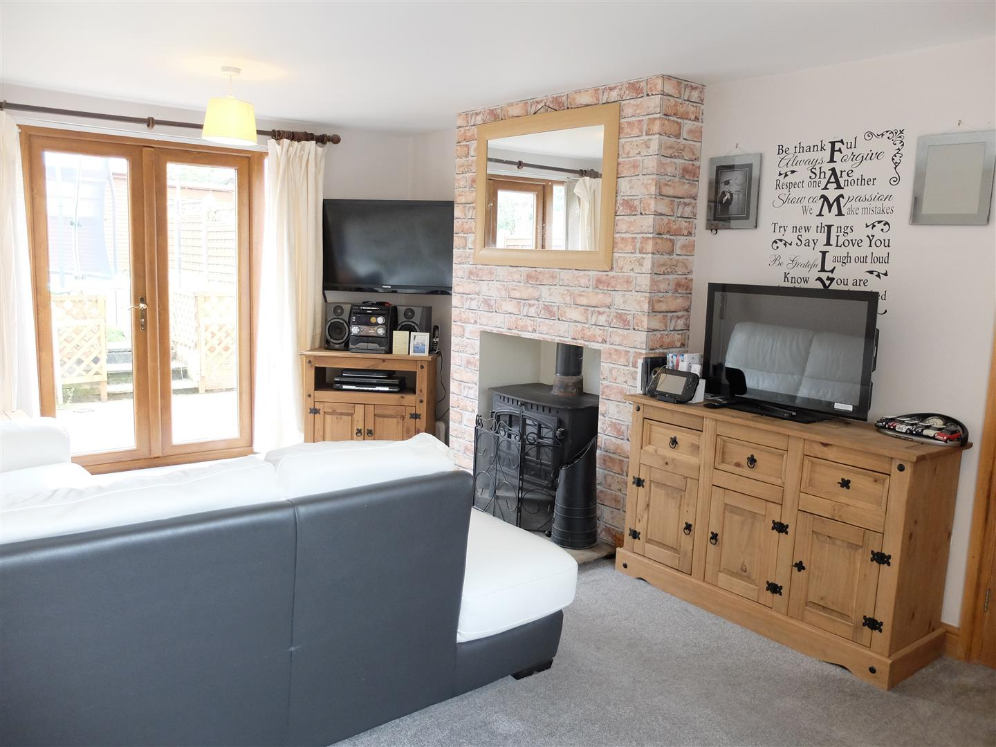 3 Bedrooms House - Semi-Detached For Sale 22 Rosehill Drive Carlisle