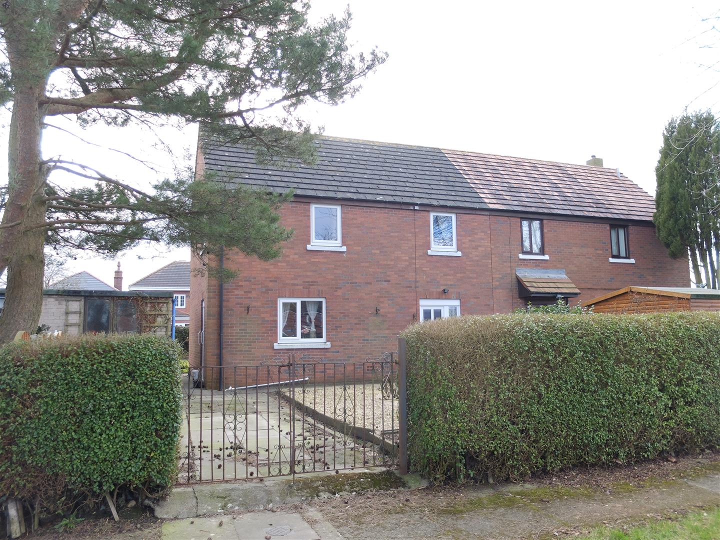 2 The Oval Carlisle 3 Bedrooms House - Semi-Detached For Sale