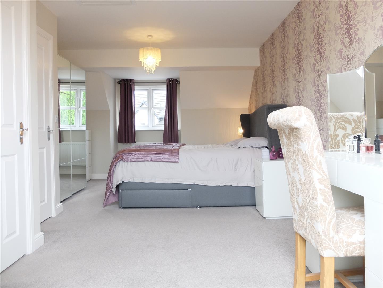 4 Bedrooms House - Semi-Detached For Sale 55 Bishops Way Carlisle