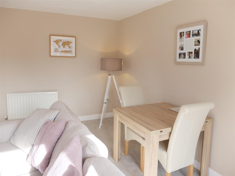 3 Bedrooms House - Semi-Detached For Sale 6 Heathfield Close Carlisle 140,000