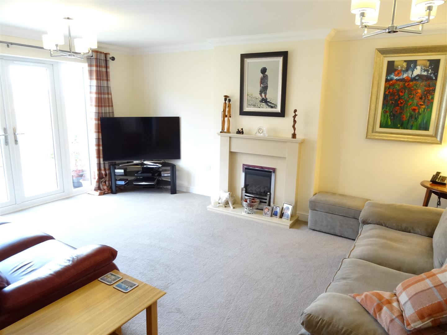 4 Bedrooms House - Detached For Sale 13 Ascot Way Carlisle