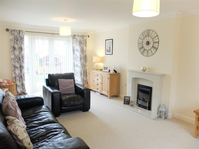 4 Bedrooms House - Detached For Sale 2 Bishops Way Carlisle