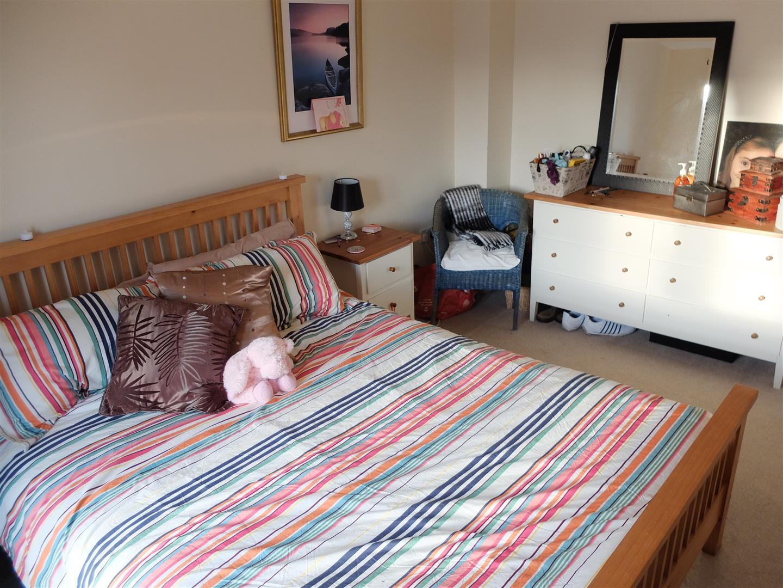 4 Bedrooms House - Mid Terrace For Sale 8 Barley Edge Carlisle 160,000