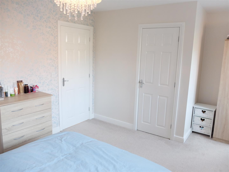 6 Heathfield Close Carlisle 3 Bedrooms House - Semi-Detached On Sale 140,000