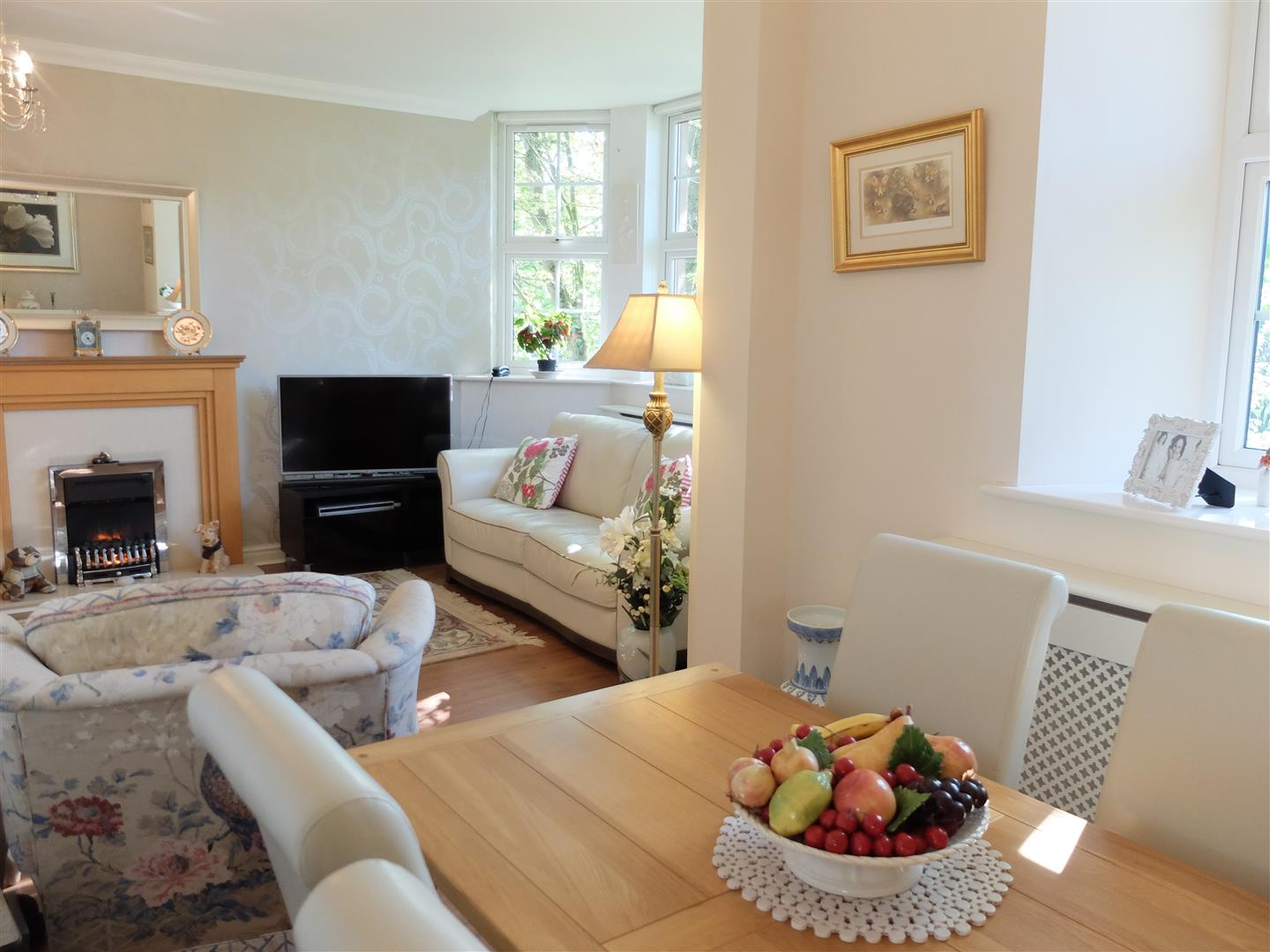 2 Bedrooms Flat On Sale 10 Oval Court Carlisle