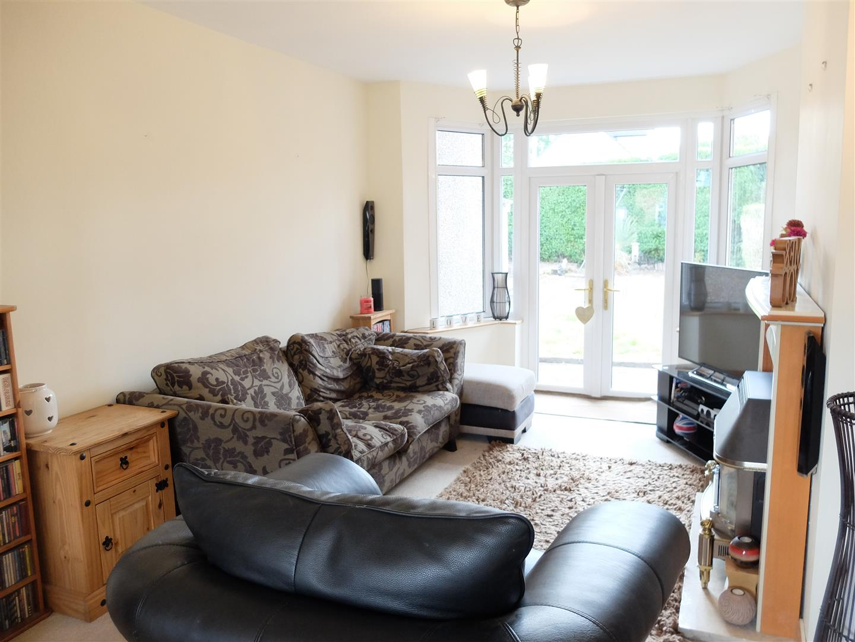 3 Bedrooms House - Semi-Detached On Sale 109 Orton Road Carlisle
