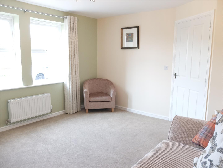 3 Bedrooms House - Detached On Sale 5 Farneside Close Carlisle