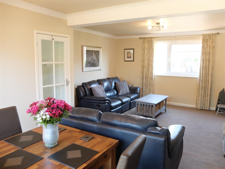 3 Bedrooms House - Semi-Detached On Sale 42 Greengarth Carlisle