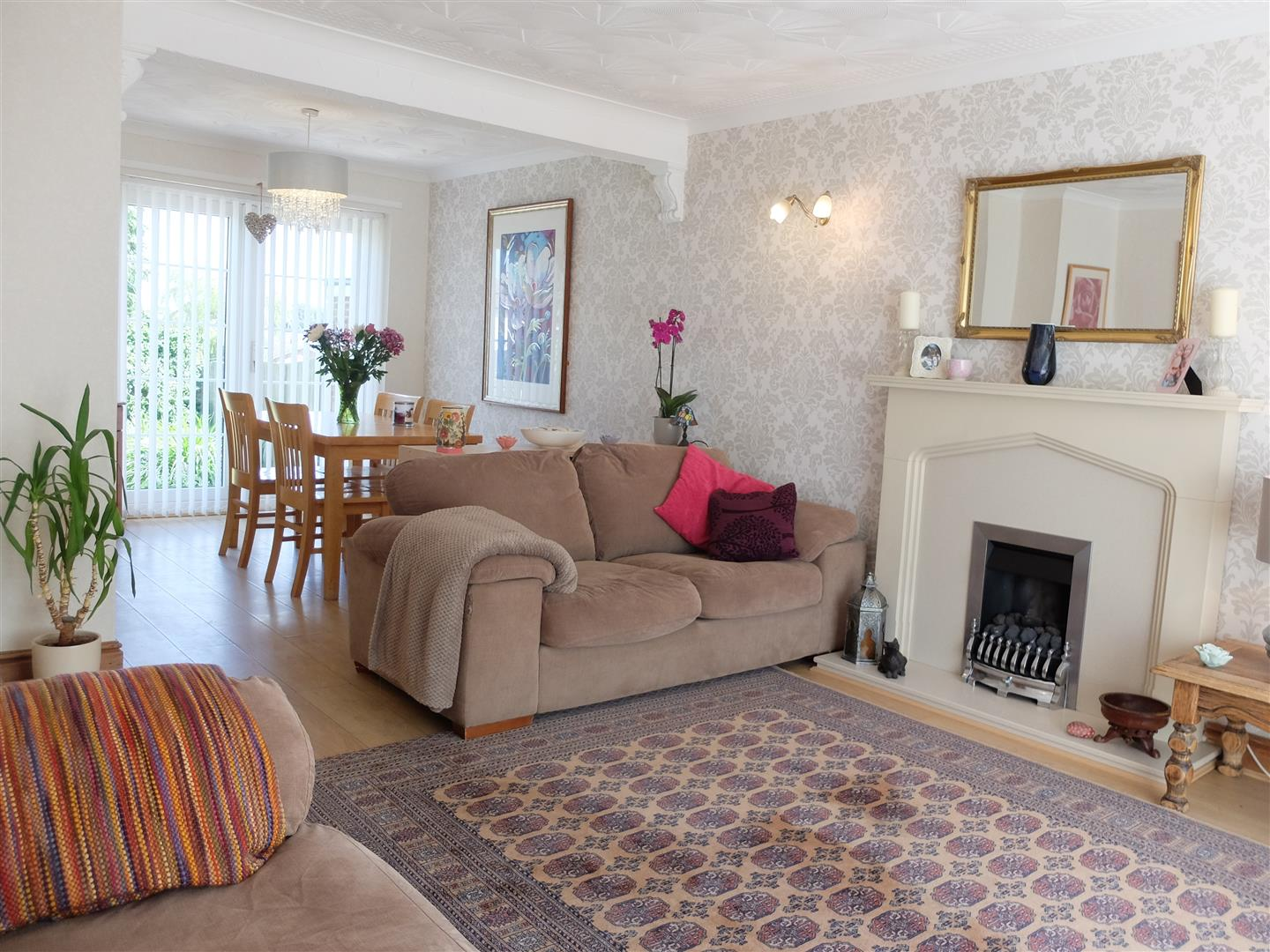 3 Bedrooms House - Detached For Sale 75 Cumwhinton Road Carlisle