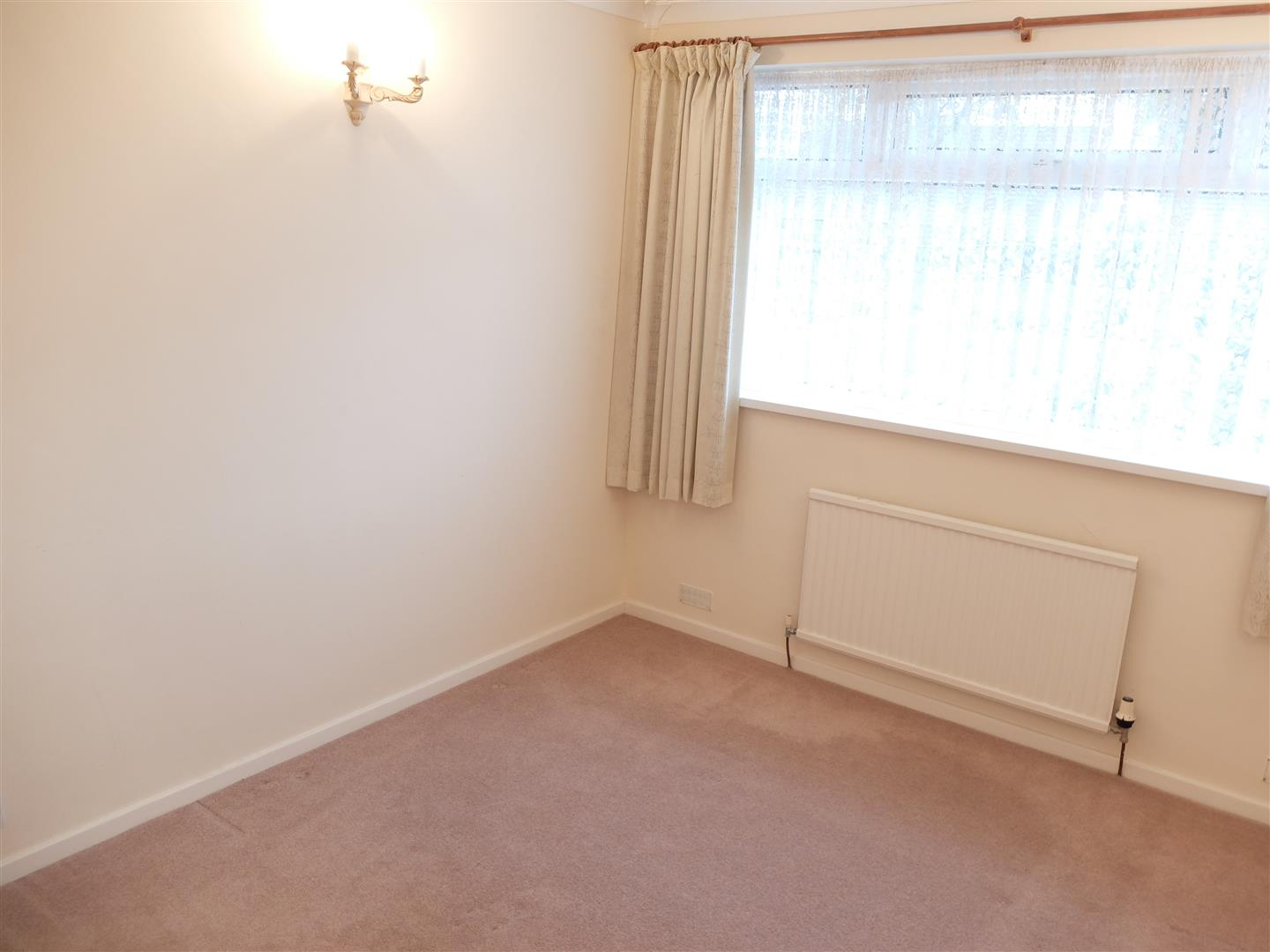 4 Farbrow Road Carlisle 2 Bedrooms Bungalow - Semi Detached For Sale 160,000